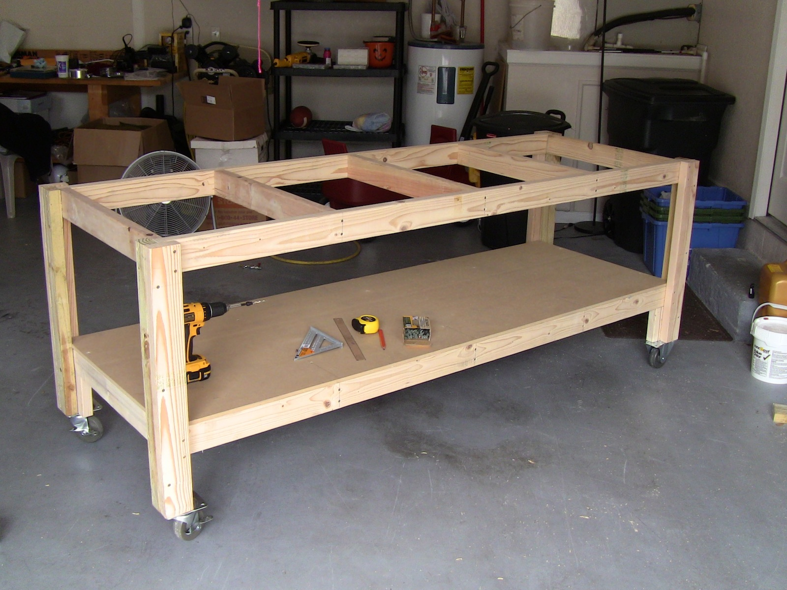 Build workbench youtube woodguides for Diy garage plans
